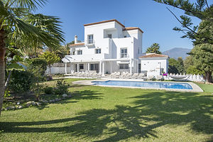 villa Cleopatra for rent Puerto Banus with private pool and hot tub