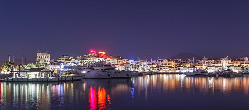 discotheques, bars and clubs puerto banus hedo villas marbella.jpg