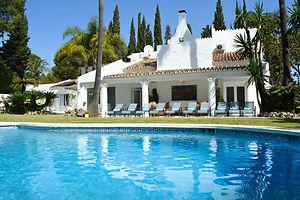 amazing villa to rent in Nueva andalucia marbella; private swimming pool