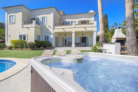 Villa rifugio dei Cesari Marbella with 11 sleeps and many luxury features. Perfect for the Hen parties