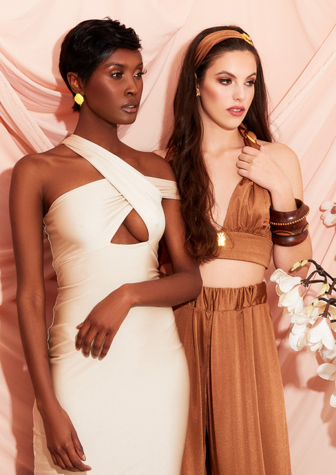 Models: Moe Makaya & Paulina