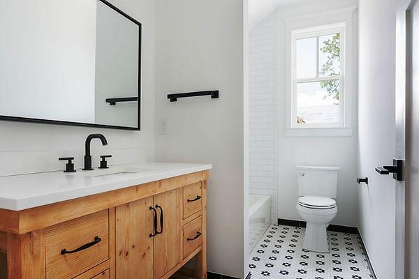 Bathroom 8.jpg