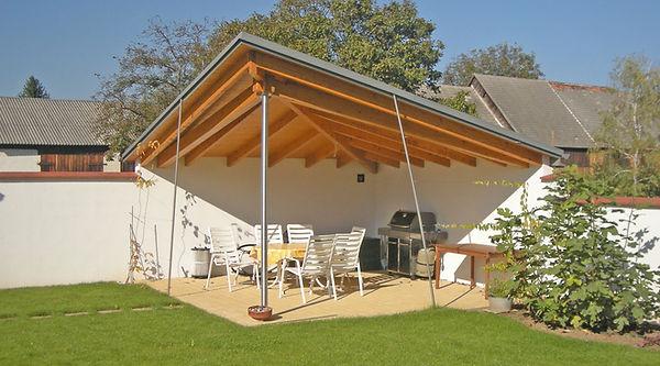 Holzbau Holzkonstruktion überdachte Terrasse, bauen mit Holz, moderner Holzbau, moderne Gartenlaube Grillplatz Reitter Bau Team Reitter Bau