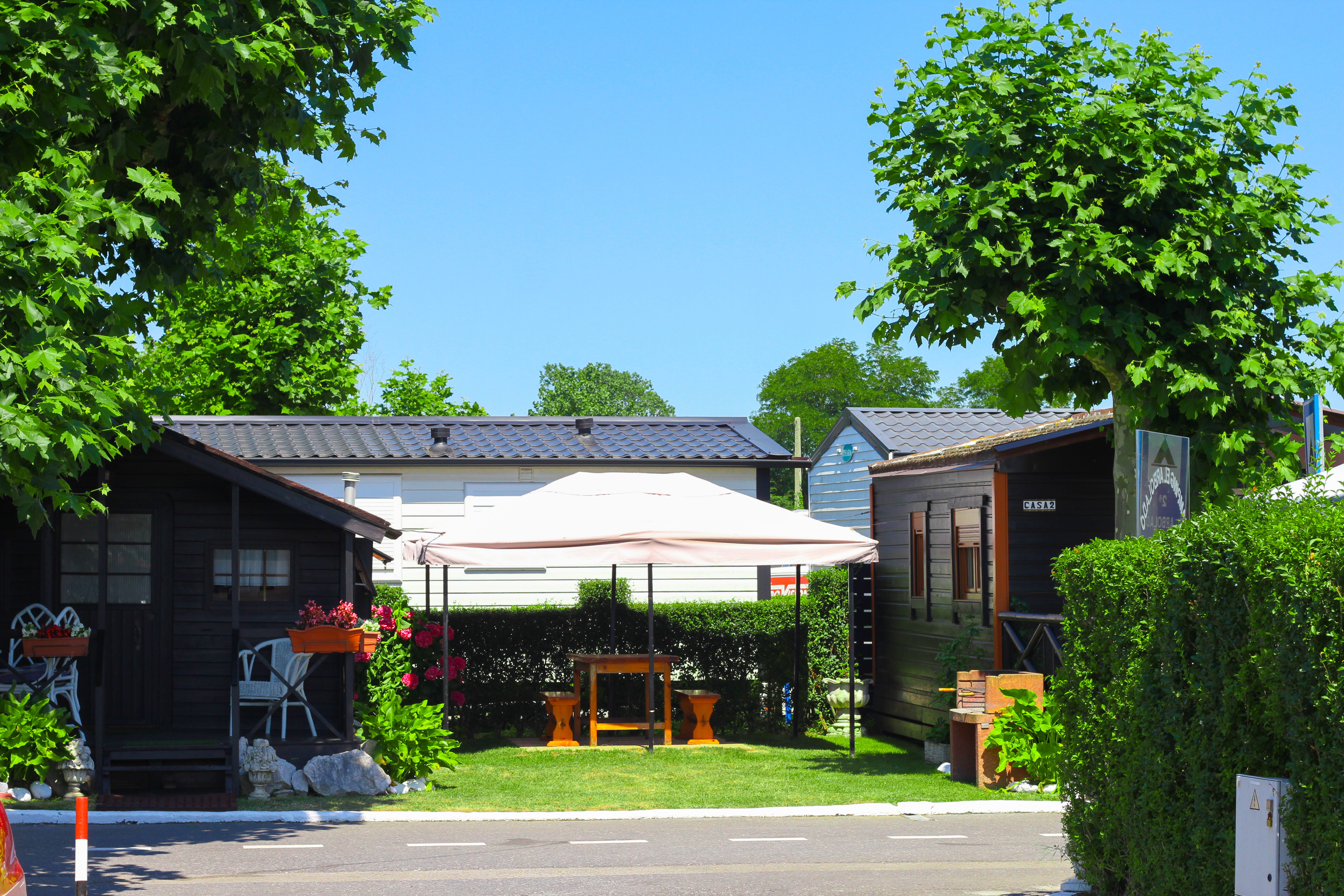 Exterior bungalows