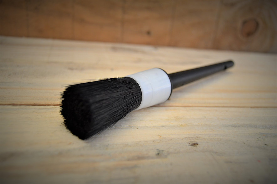 Medium Detailing Brush
