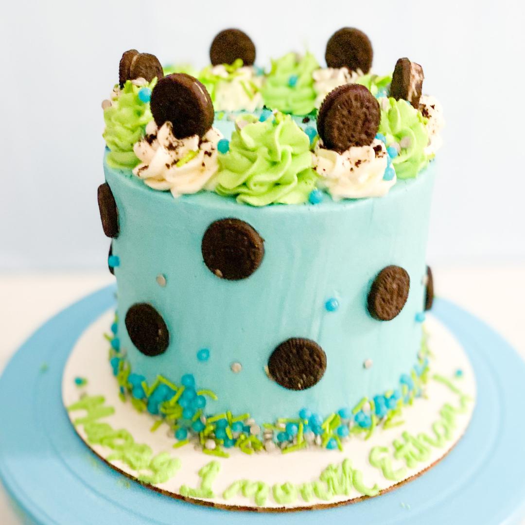 BLUE COOKIES N CREAM CAKE