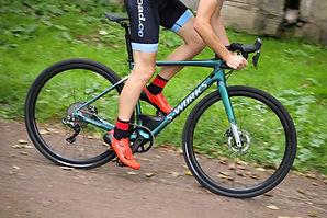 specialized-s-works-diverge-riding-1.jpg