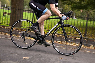 specialized-allez-elite-riding-1.jpg