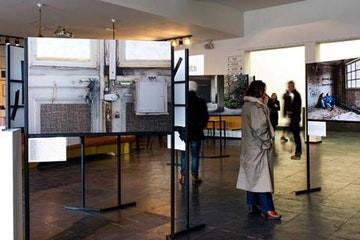Tentoonstelling 'straat wezen' nu in de CM te Gent