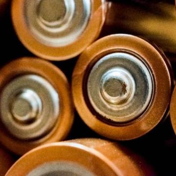 Over batterijen en politiek
