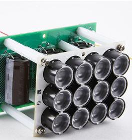 LPRシステム及びセキュリティCCTVカメラモジュールは、光が全くない場所でも、LPR モジュールは正常に動作します。LPR モジュールは、距離 5 ~ 50 メートルの範囲内で移動物体(ライセンス プレート番号)を明確に認識します。 このLPRシステムの部品はすべて韓国の工場で厳重な品質管理の下で製造されています。 部品 (LED モジュール、コントローラ、ハウジング) をすべて製造し、より魅力的な価格で完璧な製品を作成します。