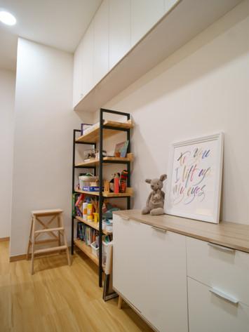 Room 2 Hope Shelves.JPG