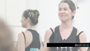 Correções durante a aula de Ballet