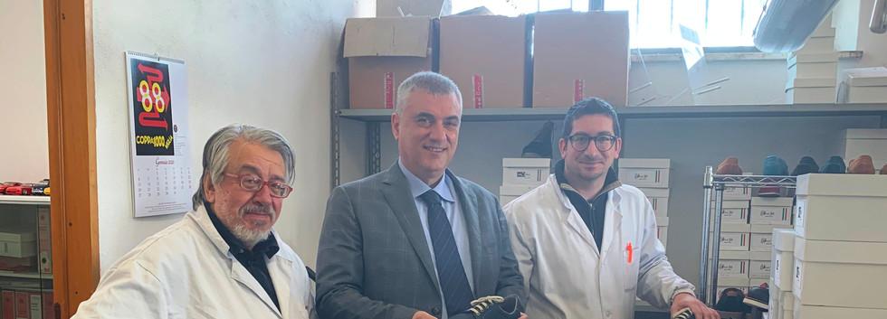 Foto degli incontri presso la Fabbrica di Calzature e lavorazioni artigiane MG Srl  di San Venanzo, presso La Locanda del Borgo di Rotecastello, presso la Fattoria di Monticello di Ripalvella.