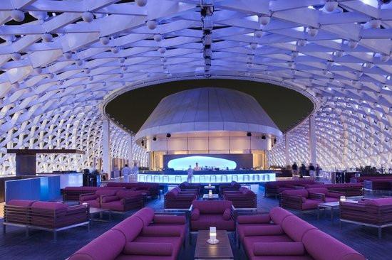 skylite-lounge.jpg