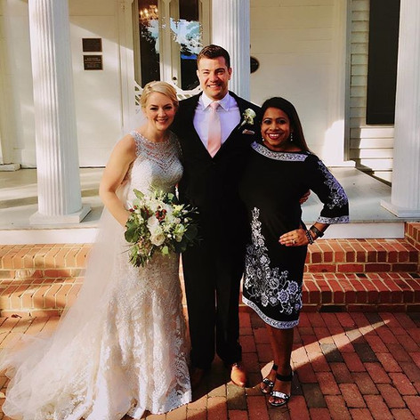 Expert Profesisonal Violinist Udeshi Hargett with her clients after performing at their wedding