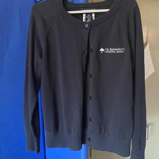 Girls sweater, horizontal logo (2 small, 2 medium)