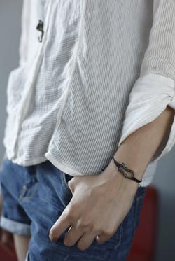 Human Chain Wristlet