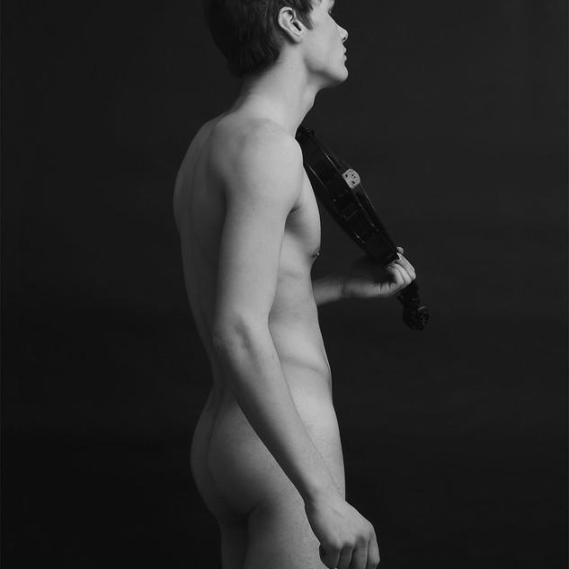 Tom y violín