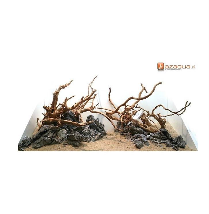 In deze afbeelding zie je een hardscape layout van Azaqua bestaande uit spiderwood met stenen en zand