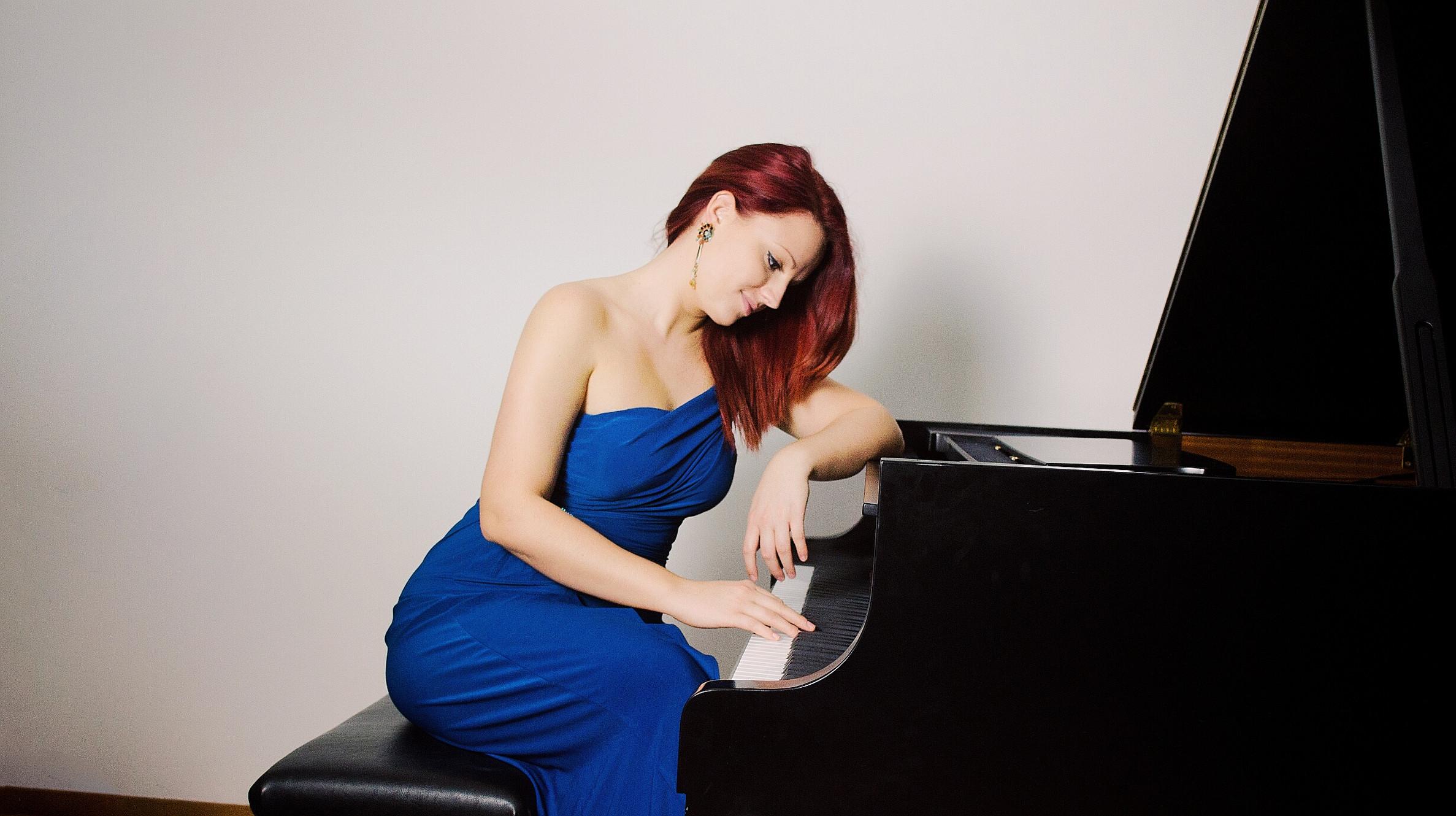 Ana Milojkovic biography | ana marković