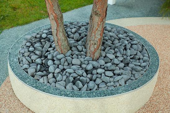 galet décoration jardin LUMINERAL .jpg