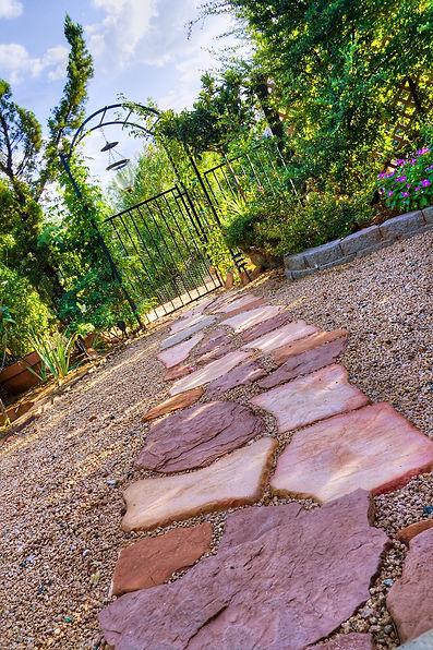 Gravier rouge jardin .JPG