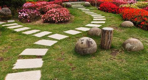 alle_de_jardin_dalles_carrés.jpg