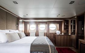 Yacht Bagheera 42.jpg