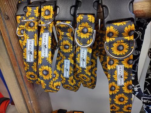 Peachy Keen Pets - Sunflowers