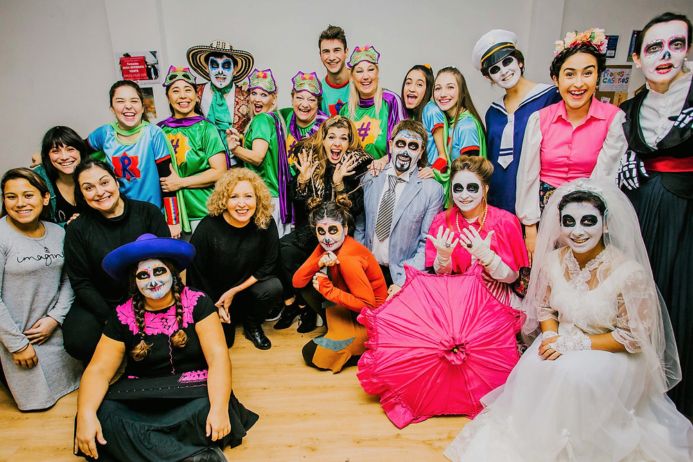 backstage preparativos con el elenco de La Pequeña Frida y de #superabuelas y su directora Maria Carreras
