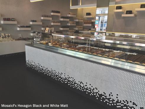 MOSAIC HEXAGON BLACK & WHITE