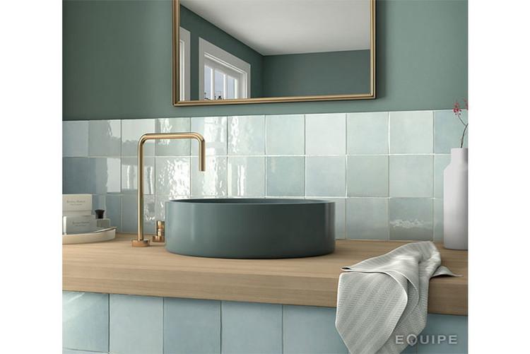 EQU067__bathroom_Artisan Aqua Gloss 13.2