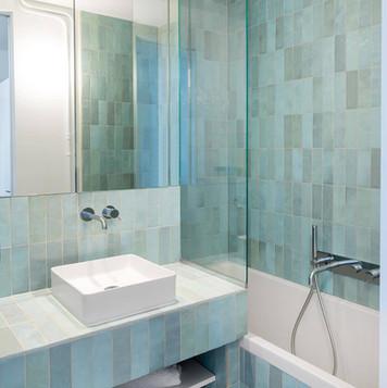 EQU054_bathroom1__  Artisan Aqua Gloss 6