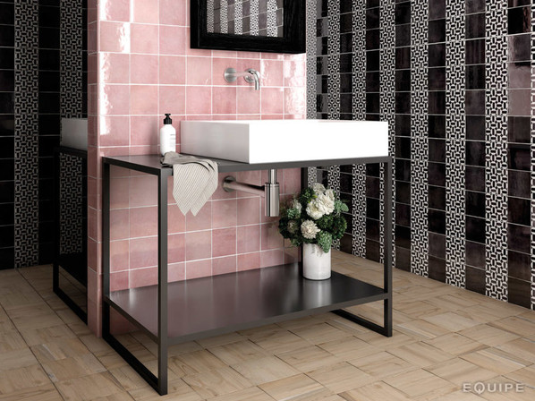 EQU066_bathroom1__Artisan Rose Mallow Gl