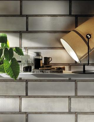 DSL017_kitchen1__Industrial White Glass