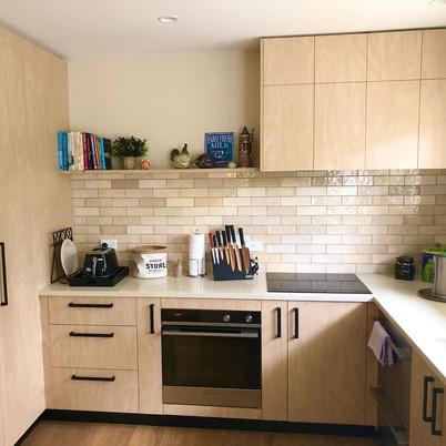 EQU060_kitchen__Artisan Ochre Gloss 6.5x