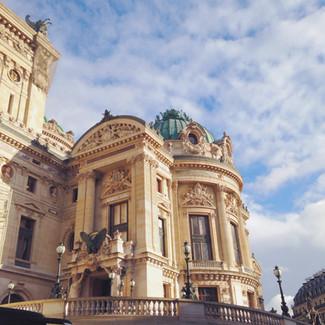Как заполучить билет в парижскую Оперу, или Потомки Великой Французской революции