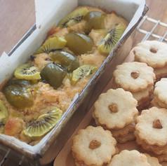 梅とキウイのパウンドケーキとクッキー