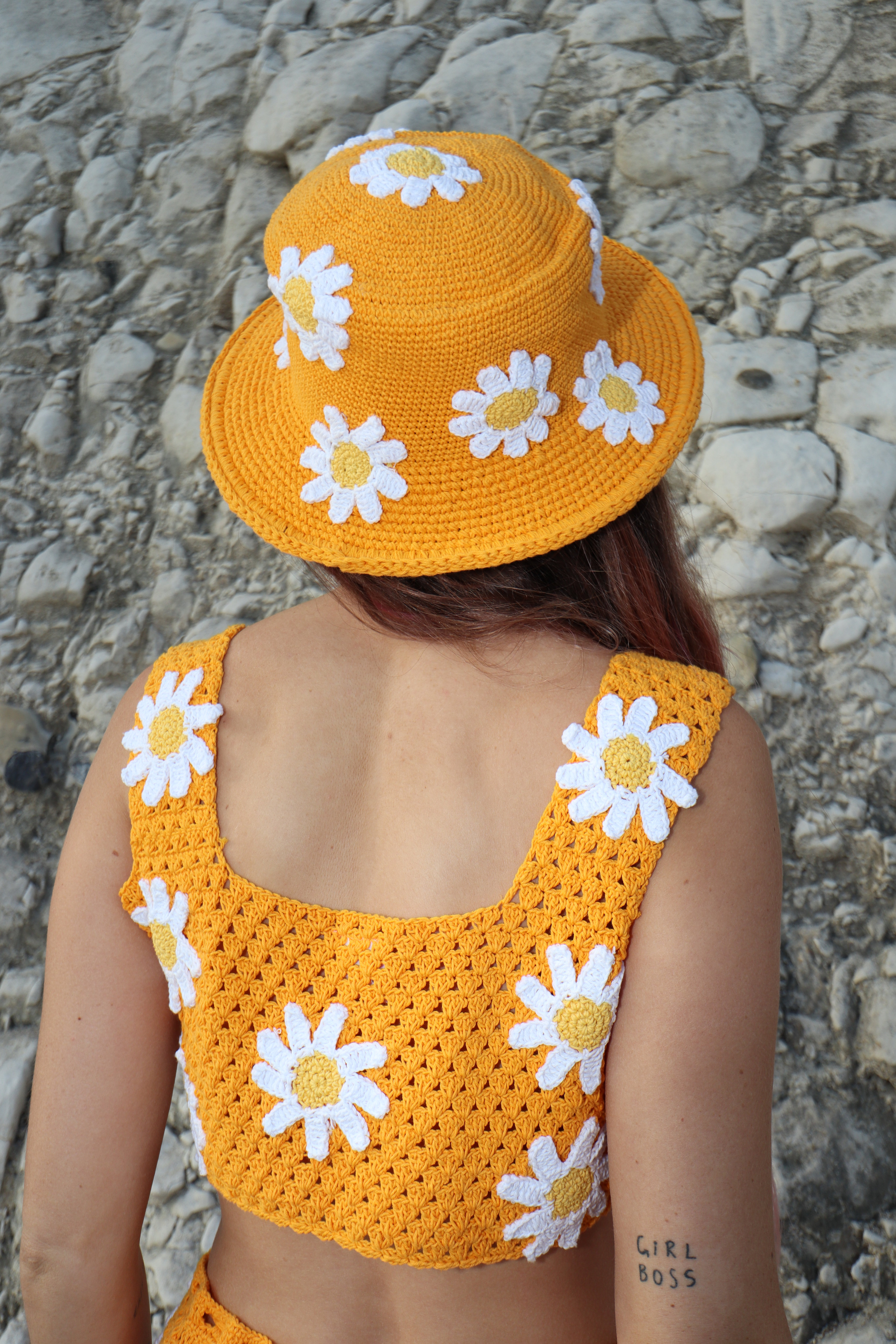 5b982bc15 ORANGE DAISY BUCKET HAT