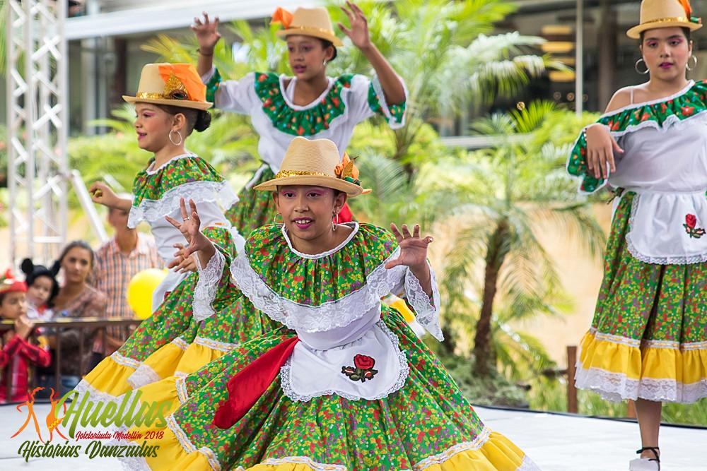 Huellas 2018 - Cuentos Danzados