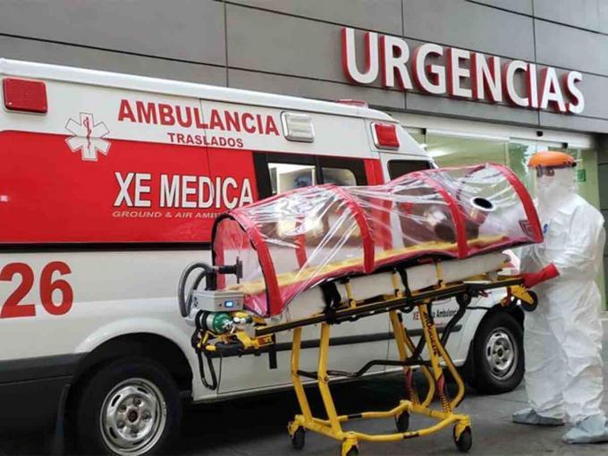 Servicios de emergencia recrean escenas futuristas