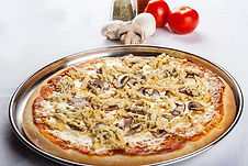 3 Pizzas medianas de jamón o peperone  más gaseosa de 2 litros.