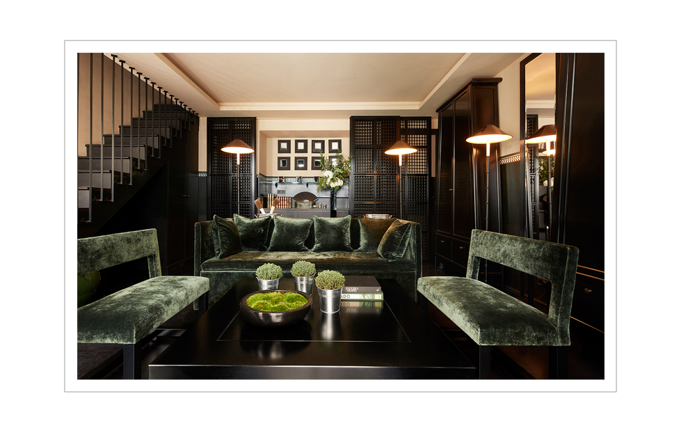 Hotel Monsieur George Collection