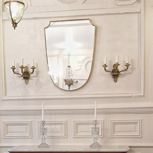 Miroir italien écusson inspiré par Gio Ponti en laiton doré