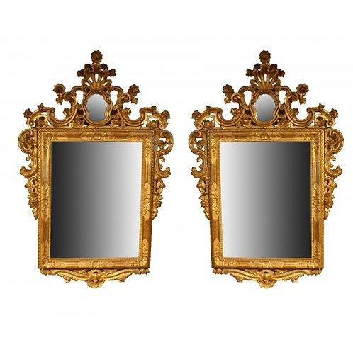 Paire de miroirs en bois doré XVIIIe siecle mirois venitiens
