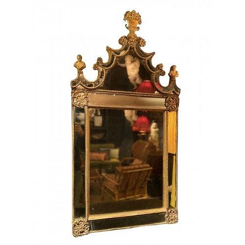 Burchard Precht, Miroir en plomb doré et ciselé
