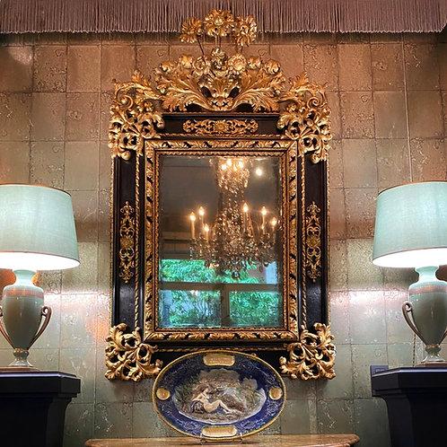 Miroir italien en bois doré et noirci, Rome XVIIe siècle