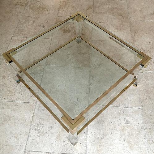 Table basse en plexiglass et laiton à double plateau de verre
