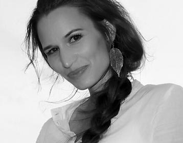 E. Roxanne W. Colle